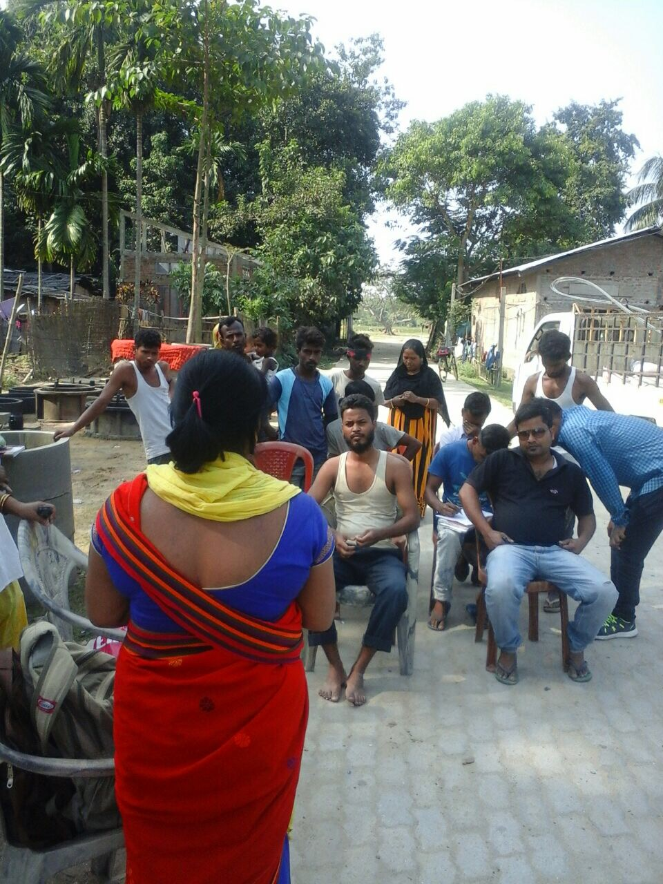 ASHA and ASHA supervisors in Sonitpur District are counselling men on NSV as Assam observes Vasectomy Fortnight.