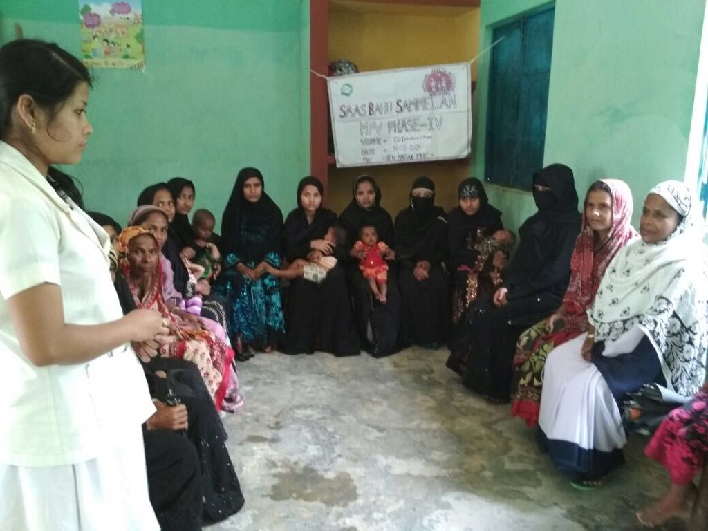 More and more districts in Assam are engaging with young married women and their mother-in-laws, encouraging dialogue on prioritising family planning.
