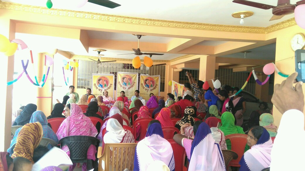 Bihar continues to take lead in holding Saas Bahu Sammelans across districts. This time in Siwan, young women & their mother-in-laws came forward to engage in a dialogue on family planning and dispelling old notions that keep women from speaking openly on reproductive health matters.